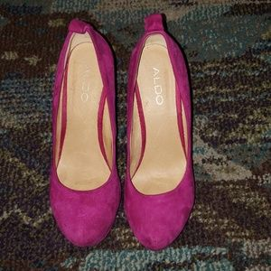 ALDO Magenta Pink Suede Wedge Almond-Shaped Heels